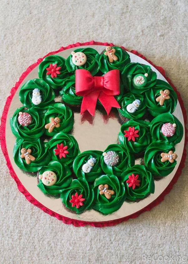 Corona navideña de minicupcakes