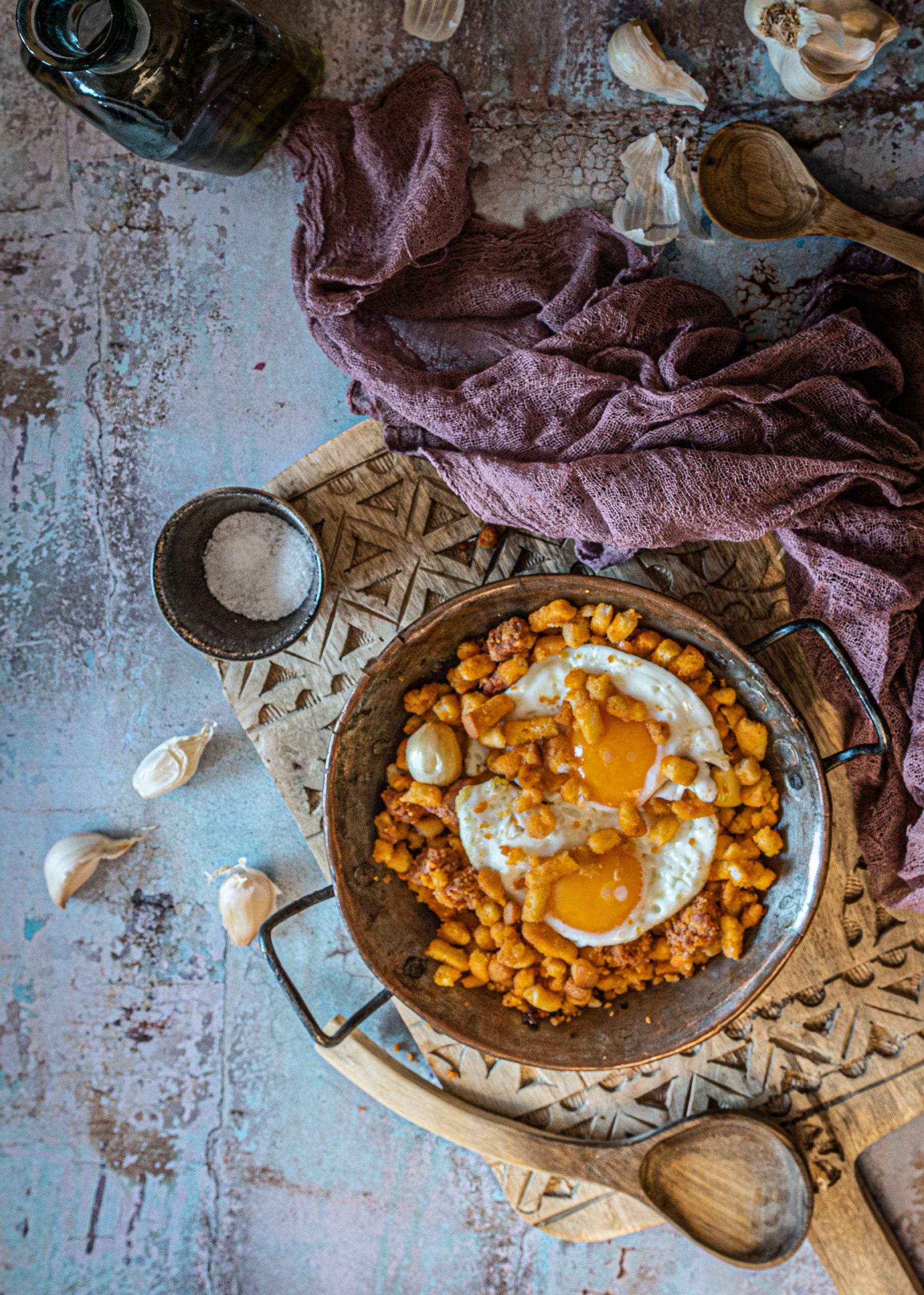Migas con huevo y Chorizo